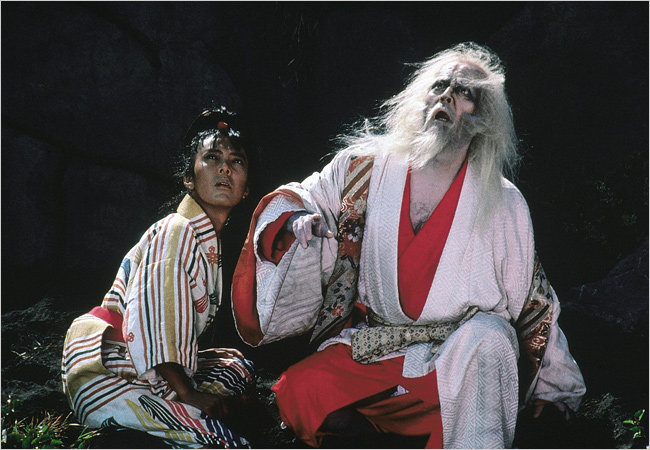 The Fool (Peter) sticks by Hidetaro (Tatsuya Nakadai) as the aging lord descends into madness in Kurosawa masterpiece