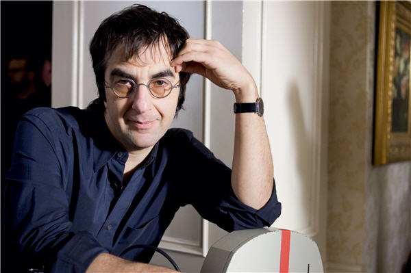 Canadian director Atom Egoyan will talk about his latest film, CHLOE, at the Apple Store in SoHo on March 14