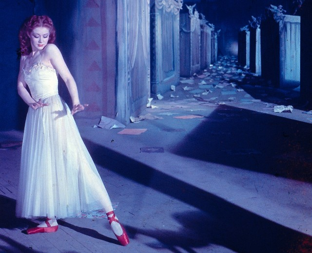 Victoria Page (Moira Shearer) gets immersed in a surreal ballet in classic dance drama THE RED SHOES