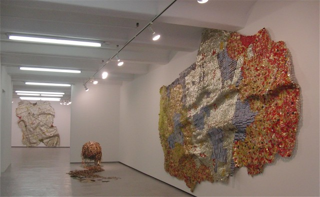 "El Anatsui's ""Pot of Wisdom"" at Jack Shainman in Chelsea (photo by twi-ny/mdr)"
