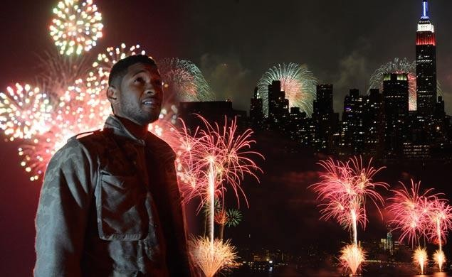 Usher will help usher in America's 237th birthday by curating fireworks show (photo by Kevin Mazur / Getty Images / Macy's Inc.)