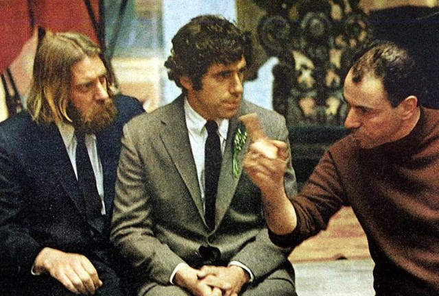 Donald Sutherland, Elliott Gould, and Alan Arkin discuss the wacky wedding scene in LITTLE MURDERS
