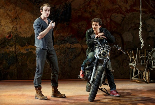 Benvolio (Conrad Kemp) offers advice to Romeo (Orlando Bloom) (photo by Carol Rosegg)