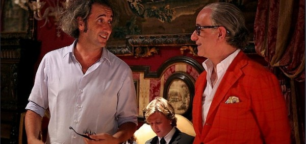 Director Paolo Sorrentino and star Toni Servillo discuss a scene in THE GREAT BEAUTY