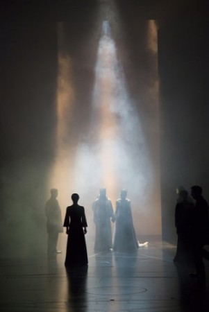 New MACBETH is all sound and fury (photo by T. Charles Erickson)