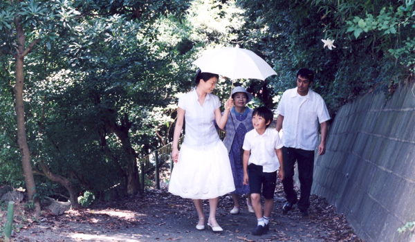 Hirokazu Kore-eda's STILL WALKING is a special film about a dysfunctional family that should not be missed