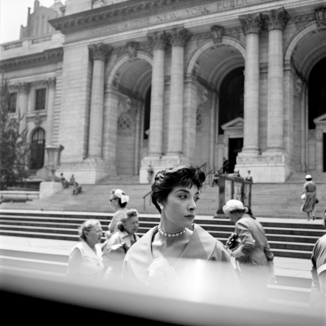 Street photographer Vivian Maier captured a unique view of the world in more than 100,000 pictures (Vivian Maier / courtesy of the Maloof Collection)