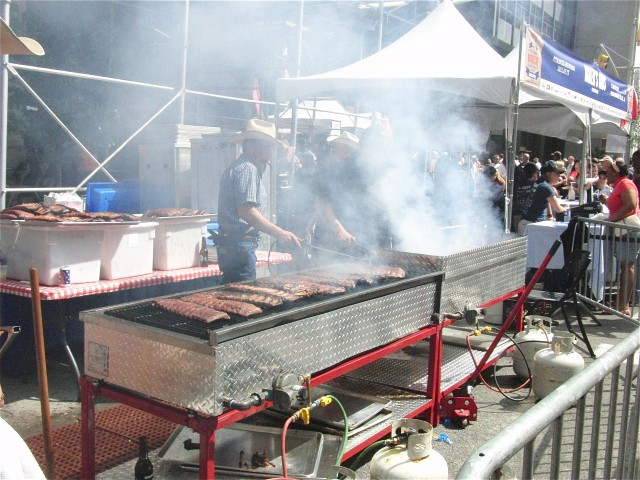 There's plenty of smokin' good 'cue at annual BBQ Block Party in Madison Square Park (photo by twi-ny/mdr)