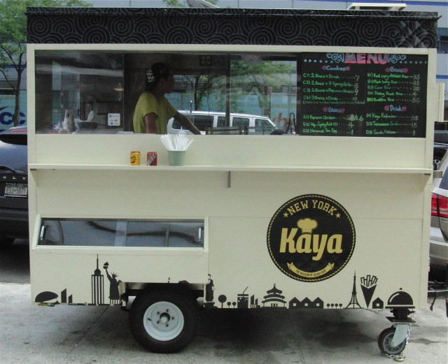 Kaya delivers on its promise of bringing the passion of Asian street food to New York (photo by twi-ny/mdr)