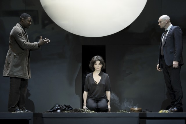 Juliette Binoche stars in new adaptation of ANTIGONE as part of BAM Next Wave Festival (photo by Jan Versweyveld)