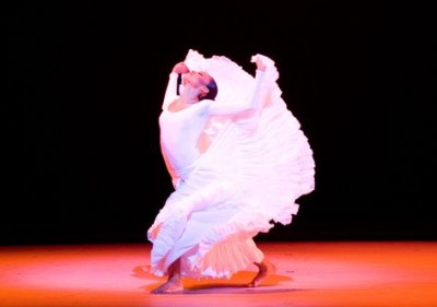 Alvin Ailey American Dance Theater's Linda Celeste Sims in Alvin Ailey's CRY (photo by Nan Melville)