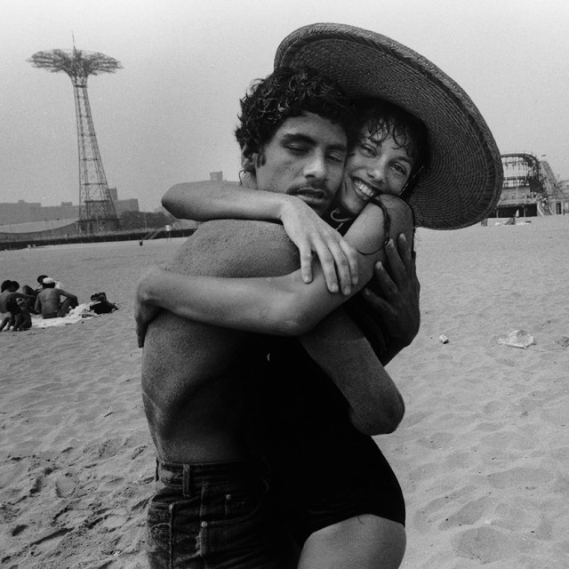 "Harvey Stein, ""The Hug: Closed Eyes and Smile,"" digital inkjet archival print, 1982 (© Harvey Stein, 2011)"