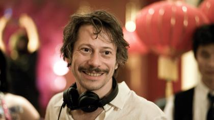 Mathieu Amalric on the set of his Pierre Corneille adaptation for