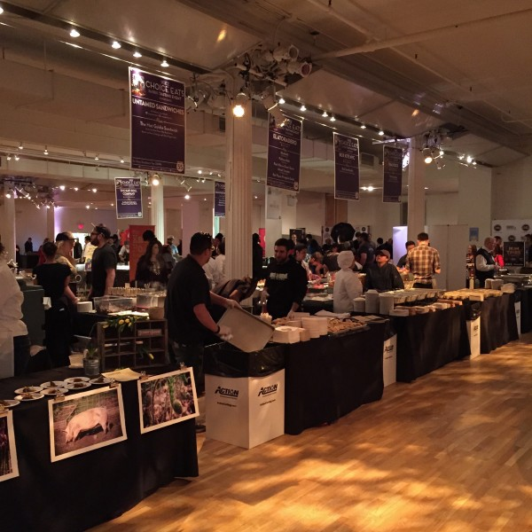 Restaurateurs prepare for huge crowds at Choice Eats 2015 (photo by tw-ny/ees)