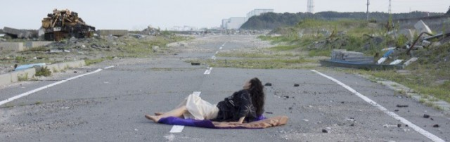 Eiko performs A Body in Fukushima in 2014 (photo by William Johnston)
