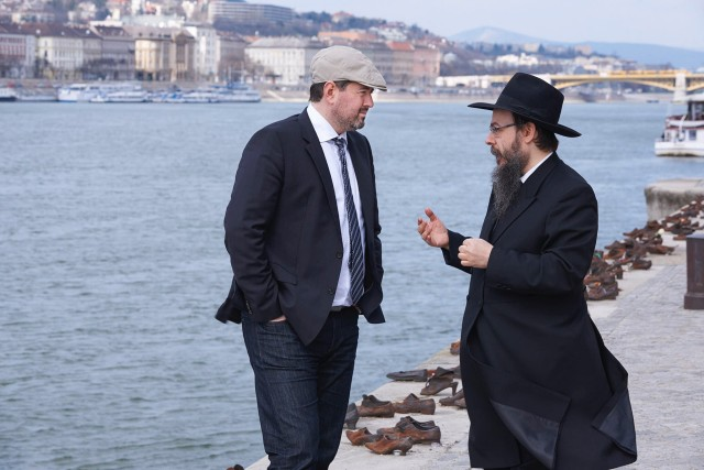 Former Hungarian right-wing leader Csanád Szegedi meets with Rabbi Boruch Oberlander in KEEP QUIET