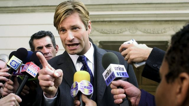 Superstar lobbyist (Aaron Eckhart) makes his point in Jason Reitman's THANK YOU FOR SMOKING