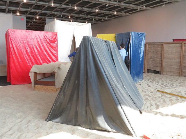 "Whitney retrospective offers a journey into Hélio Oiticica's colorful ""Éden"" (photo by twi-ny/mdr)"