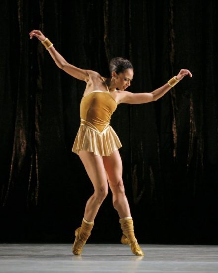 Linda Celeste Sims in Twyla Tharp's  The  Golden Section . Photo by Paul Kolnik.