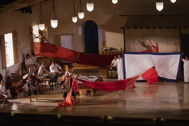 A Room in India the Théâtre du Soleil (photo by Stephanie Berger)