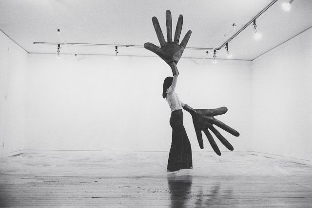 Sylvia Palacios Whitman, Passing Through, Sonnabend Gallery, 1977, documentation of performance (photo by Babette Mangolte)