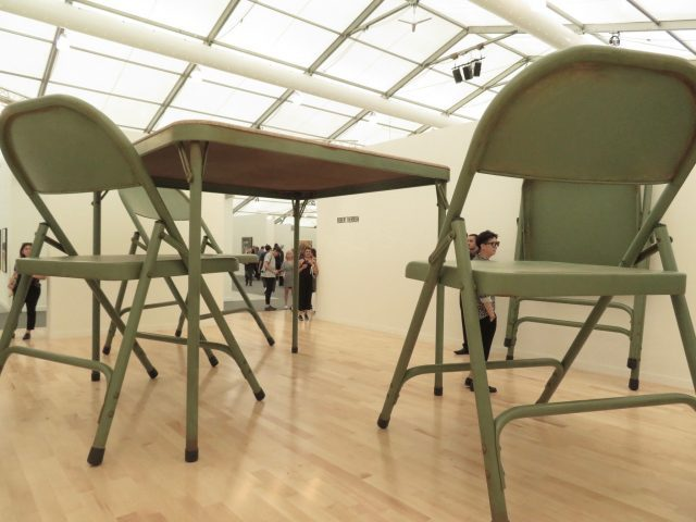 Robert Therrien, No title (folding table and chairs, green), paint, metal, and fabric, 2008, Gagosian (photo by twi-ny/mdr)