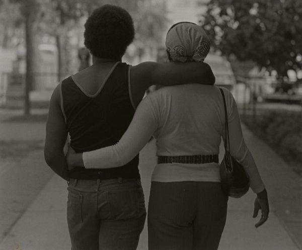 Roy DeCarava, Couple Walking, gelatin silver print on paper, 1979 (© 2017 estate of Roy DeCarava)