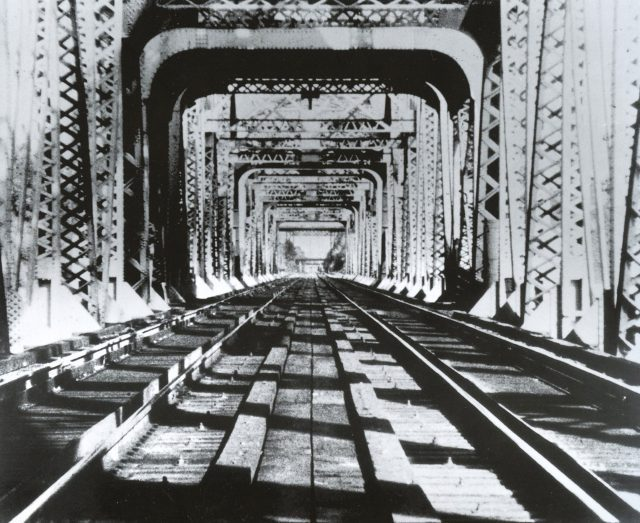 Richard Serra Railroad Turnbridge 1976