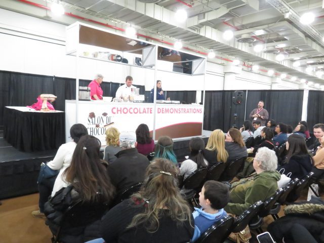Pastry chefs and other industry pros give talks and demonstrations at Salon du Chocolat (photo by twi-ny/mdr)