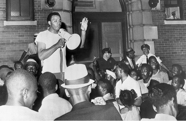 Robert Curvin speaks out during the Newark Riots of 1967 (Bettmann, 1967/ image © Getty Images)